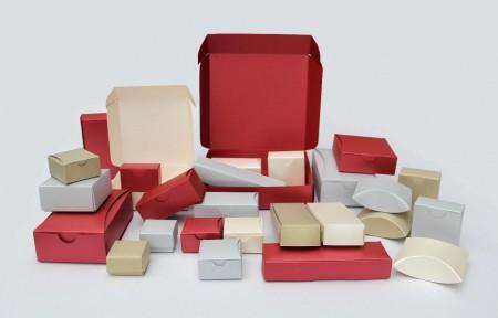 krabice-darcekove-kolaz